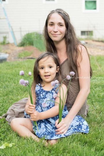 elizabeths-gooding-breastfeeding
