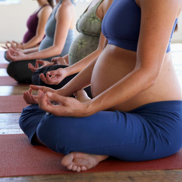 yoga-pregnancy-safe-exercise_700x700_getty-200468211-001_0.jpg