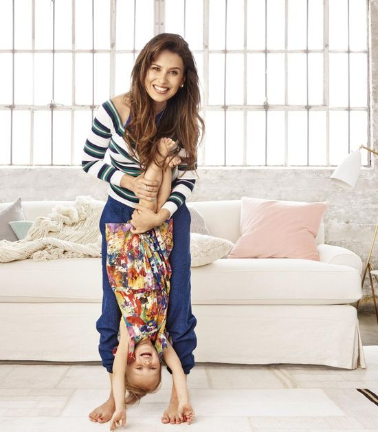 Hilaria Baldwin Holding Daughter